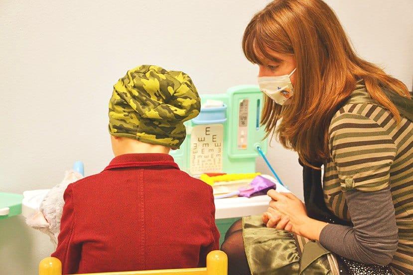 bambino-e-psicologa