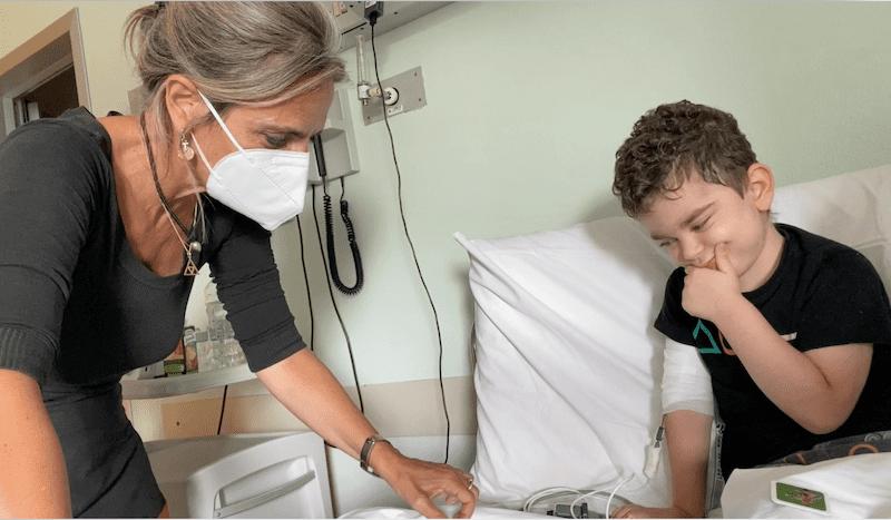Giochi e balli in reparto – con Roberto 4 anni